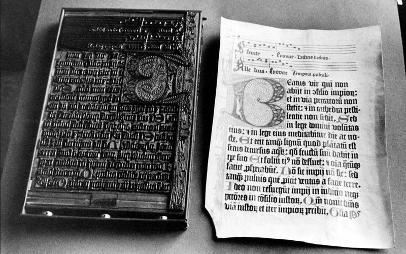 К какому типу шрифтов относится Century Gothic?