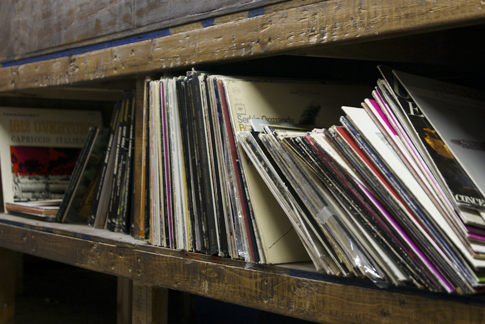 Shake It Records stocks approximately 8,000 records.