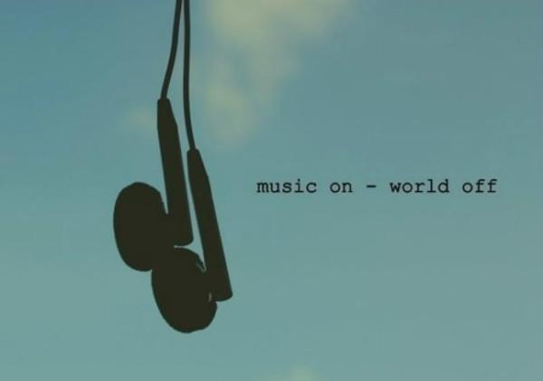 Всегда имейте при себе MP3 или телефон с музыкой