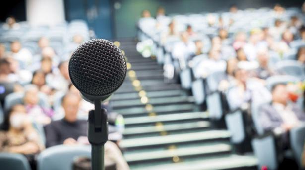Как стать незабываемым спикером и не провалить выступление