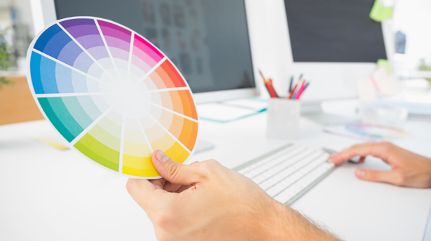 Мы собрали больше 30 шпаргалок по сочетанию цветов, которые пригодятся вам в работе.