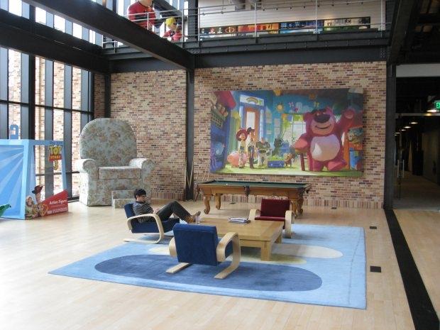 45998-lobby-lounge