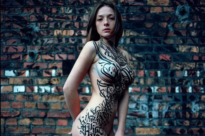 Session-8-Calligraphy-by-Pokras-Lampas-Photo-by-Stanislav-Liepa-Model-Olga-Kobzar-courtesy-of-calligraphyongirls.com-segment