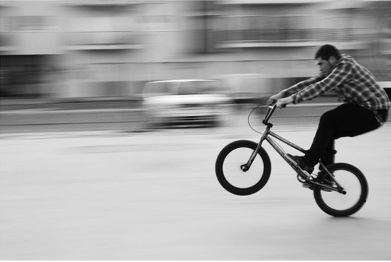 panning-effect-bike-photography
