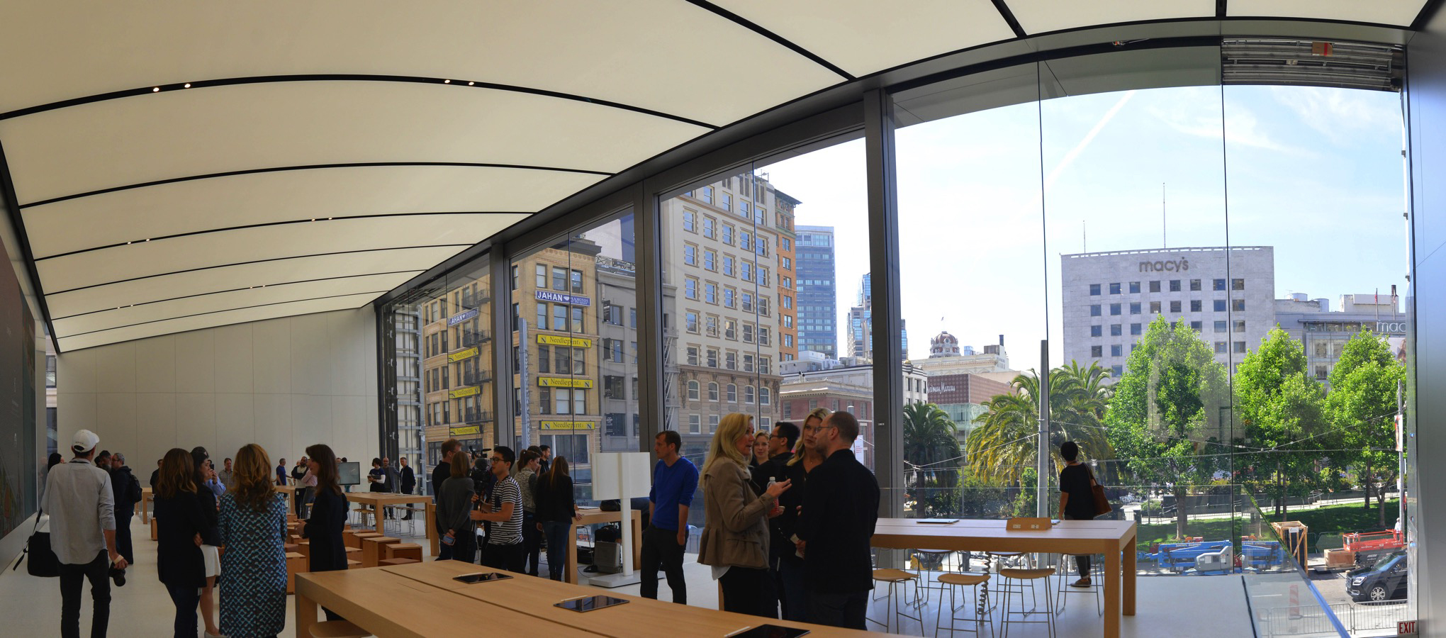 Apple-store-sf-flagship-nick_statt-1_0