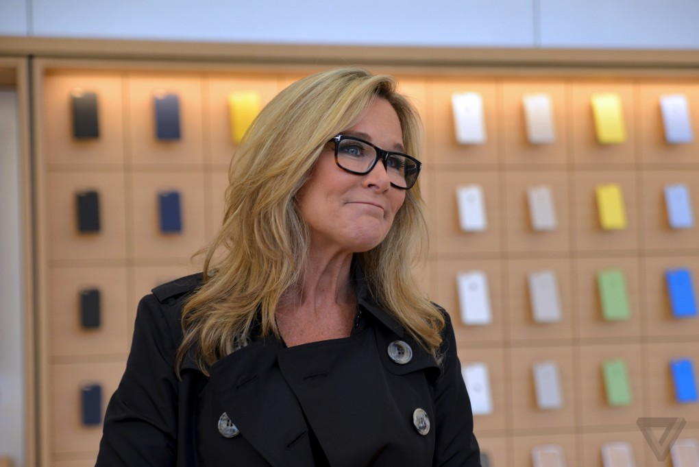 apple-store-angela-ahrendts-flagship-sf-nick_statt-1_0