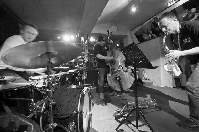 Тональная и модальная гармония в классике джазе и популярной музыке