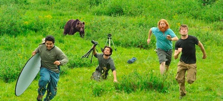 Как выжить в дикой природе, используя оборудование фотографа?