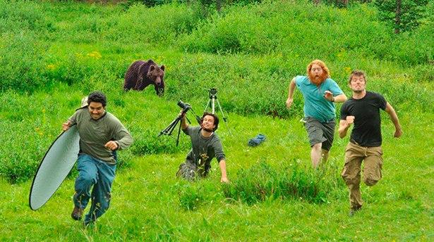 Как выжить в дикой природе используя оборудование фотографа?
