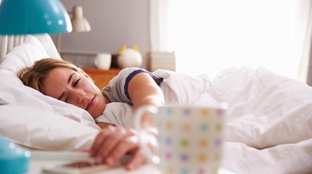 Почему не стоит включать ваши девайсы первым делом утром?