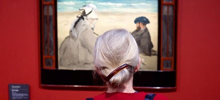«Люди, соответствующие картинам»: фото-проект об особенных посетителях музеев