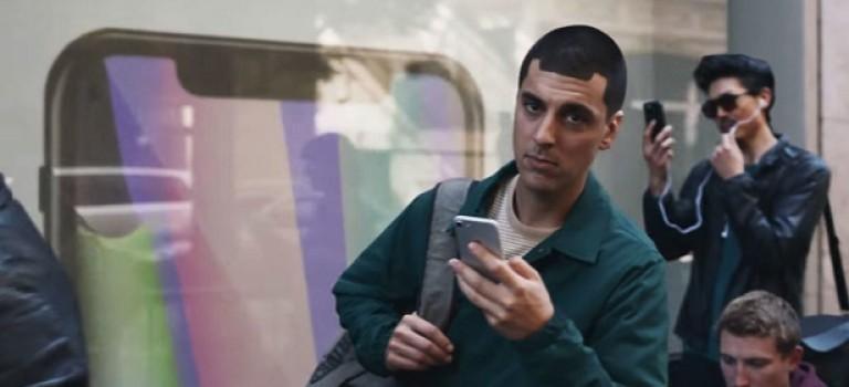 Samsung в очередной раз высмеяли Apple