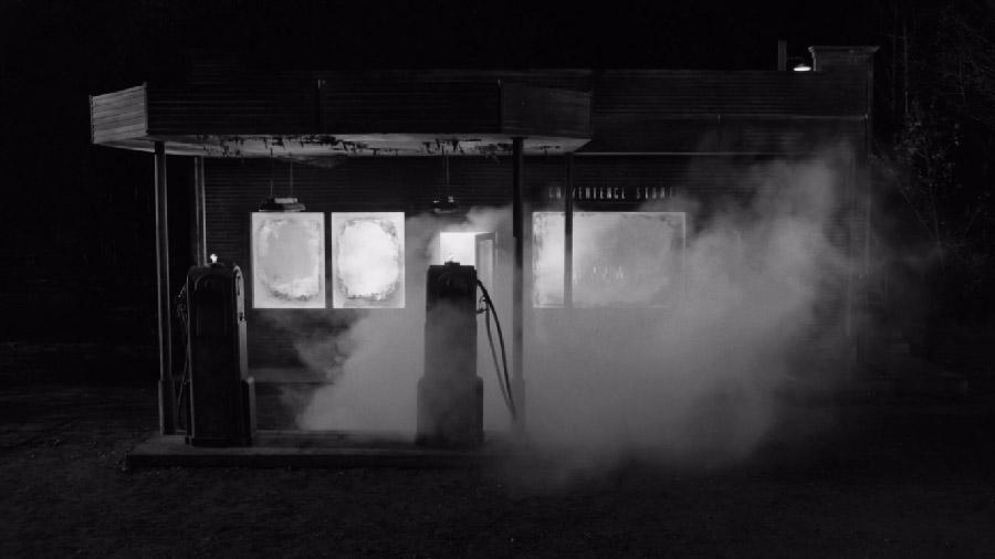 """Приклад автоцитати: магазин у """"Twin Peaks: The Return"""" виглядає дуже подібно до локації з «Шосе в нікуди»"""