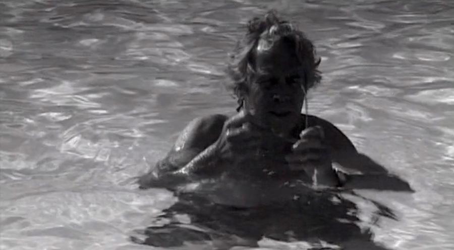 Йорген Лет у п'ятому фільмі. У тексті в цей момент сказано: «Це Йорген. Хто такий Йорген? Йорген Лет — така сама жалюгідна істота, як і я»