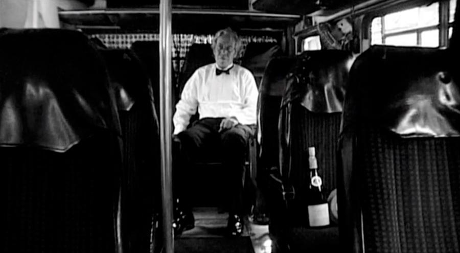 Тема контролю розкривається в 5-й частині. Йорген Лет змушений бути режисером фільму, який він навіть не знімає, і це повна втрата контролю