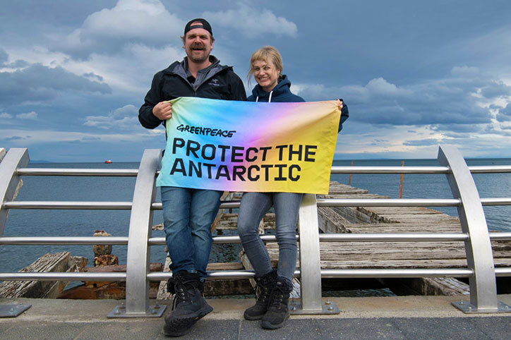 lovers_greenpeace_antarctic-1